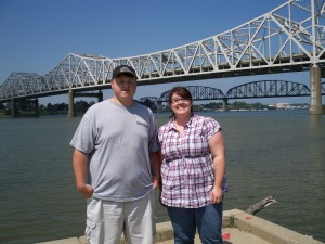 We couldn't begin our journey without stopping in Louisville to walk along the waterfront - and of course stop for some pictures!