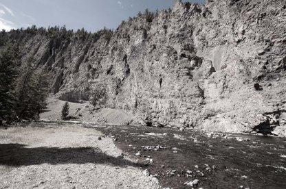 creeks rock bw