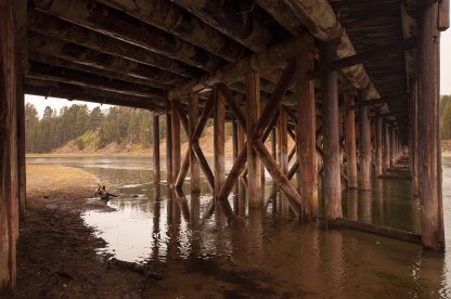 yellowstone under bridge